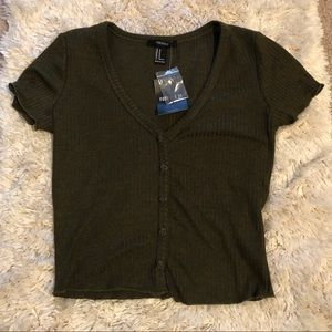 NWT olive green crop top size M forever21